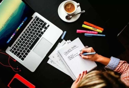 Как стать блогером и зарабатывать на блоге деньги